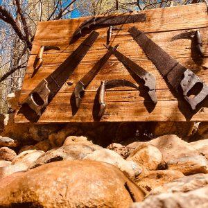 Marangoz El Aletlerinden Oluşturulmuş Rustik Pano